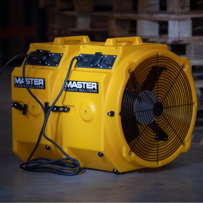 Професионален вентилатор MASTER DFX 20